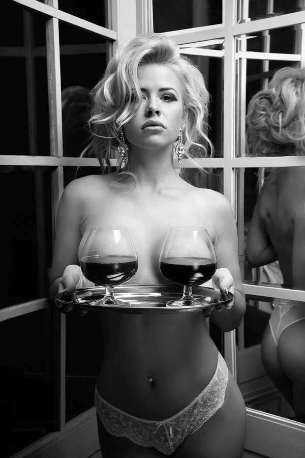 hot en noir et blanc ............. 14068210