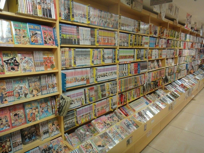 japan manga store pictures 20120110