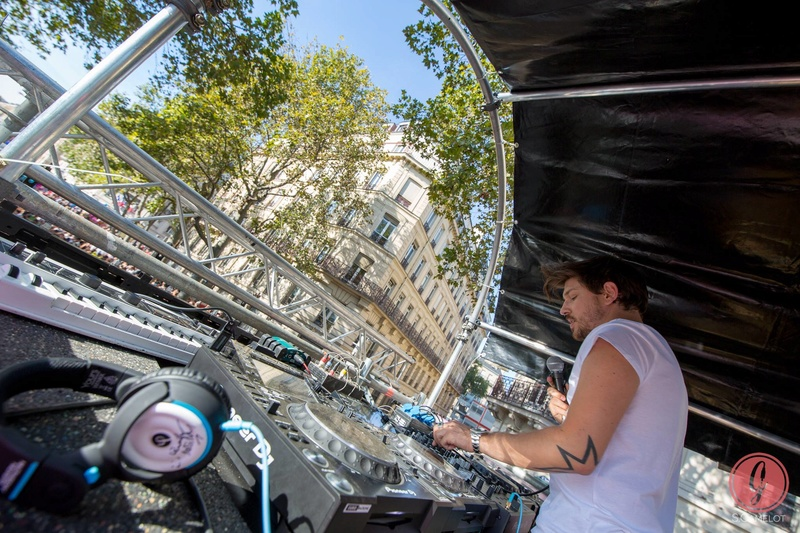 [24/09/2016] Technoparade @Char Haribo Pik Soonvibes - Paris - France 14468710