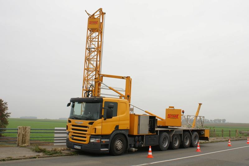Un camion pour la prospèction des ponts. Dsc05824