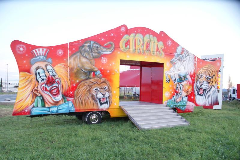 Les cirques - Page 5 Dsc07911