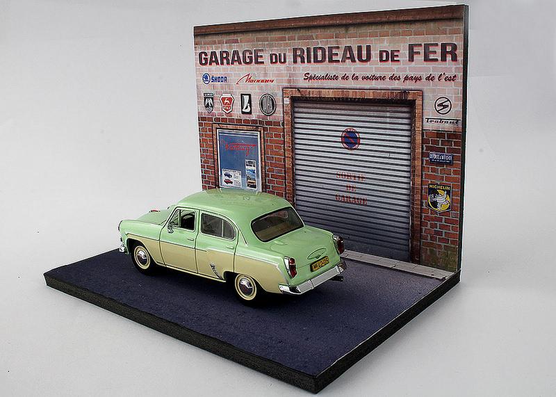 Diorama garage + LADA BA3-2104 au 1/43°. Dioram12