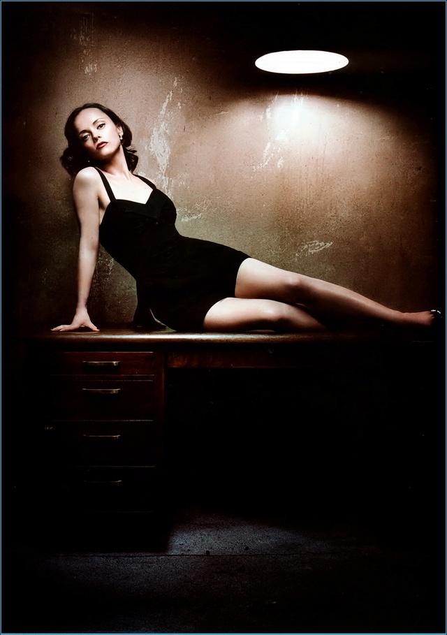 [mékilékon] n°83 :une femme est un être sans défense jusqu'à ce que son vernis soit sec Christ11