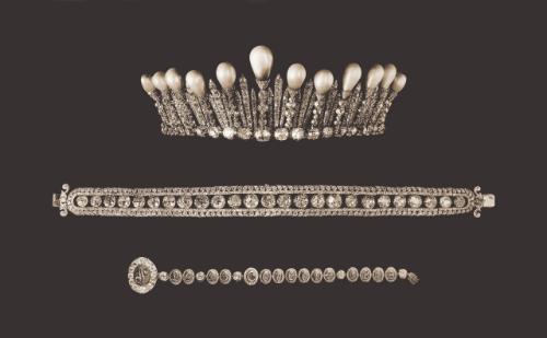"""Les colliers """"en esclavage"""" des XVIIIe et XIXe siècles 1025ge10"""