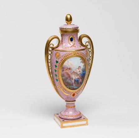 Le goût de Marie-Antoinette pour la porcelaine de Sèvres à effets de pierres précieuses 27-34v10