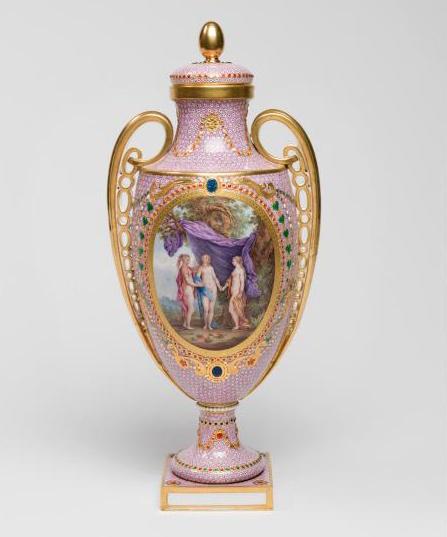 Le goût de Marie-Antoinette pour la porcelaine de Sèvres à effets de pierres précieuses 27-35v10