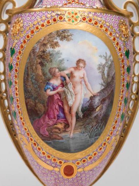 Le goût de Marie-Antoinette pour la porcelaine de Sèvres à effets de pierres précieuses 27-36d10