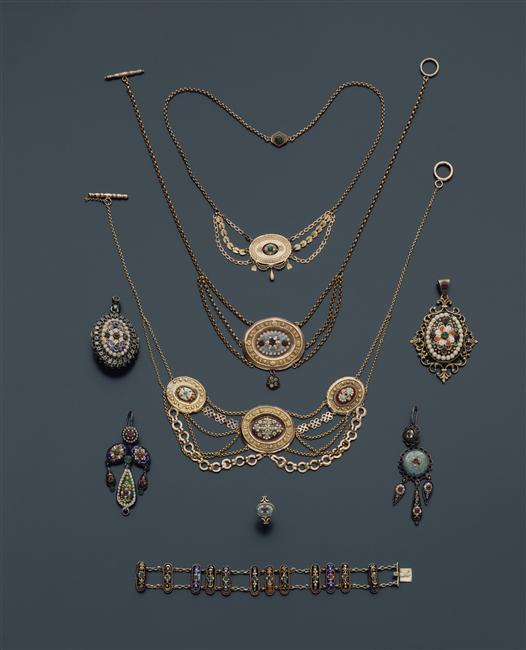 """Les colliers """"en esclavage"""" des XVIIIe et XIXe siècles 98-00510"""