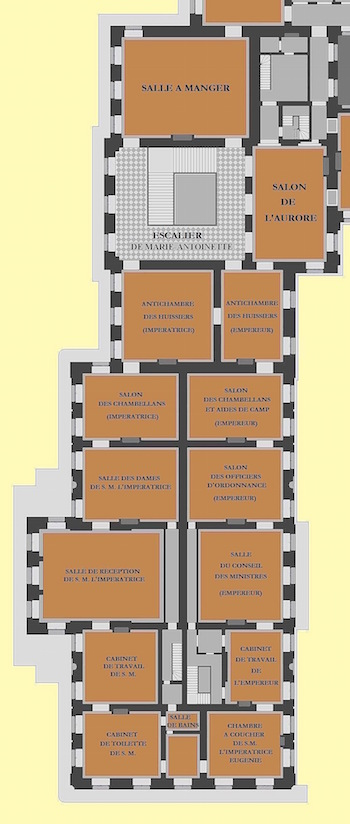 Baignoire provenant du château de Saint-Cloud, réputée avoir été utilisée par Marie-Antoinette ?  Planpr13