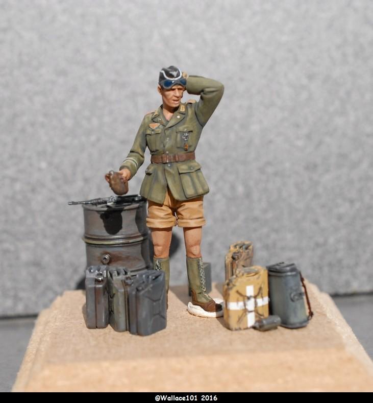 Afrika Korps AFV Commander (Verlinden Tamiya Bronco ... 1/35) Fini! - Page 7 Misens10