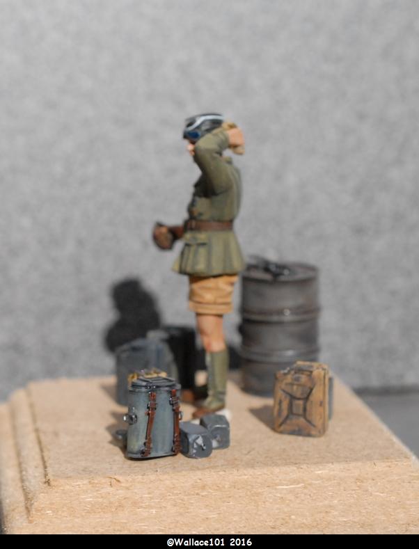 Afrika Korps AFV Commander (Verlinden Tamiya Bronco ... 1/35) Fini! - Page 7 Misens11
