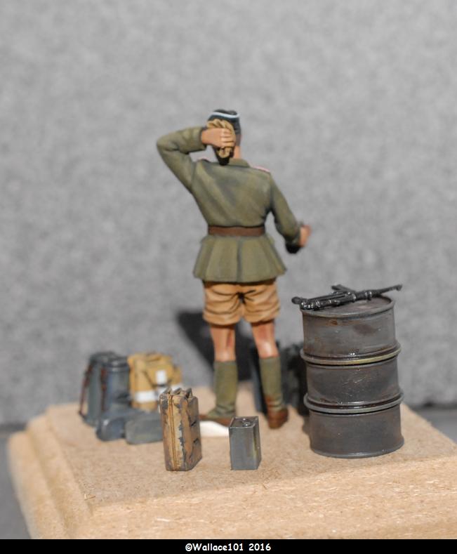 Afrika Korps AFV Commander (Verlinden Tamiya Bronco ... 1/35) Fini! - Page 7 Misens12