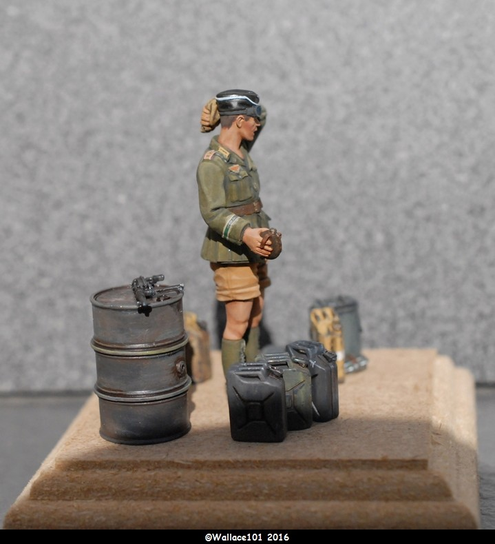 Afrika Korps AFV Commander (Verlinden Tamiya Bronco ... 1/35) Fini! - Page 7 Misens13