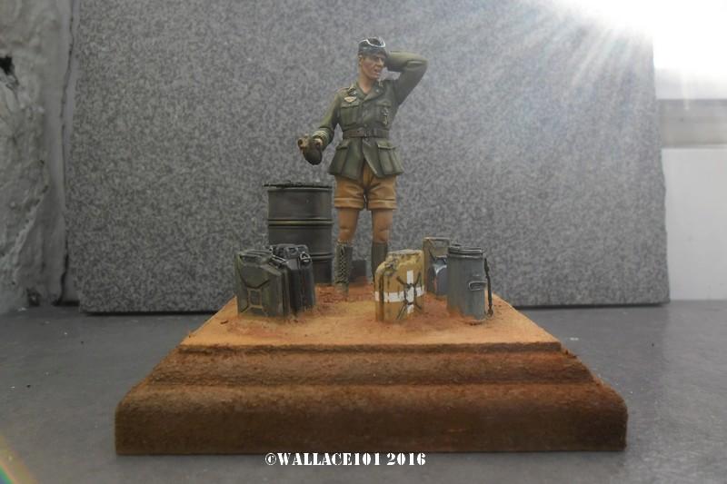 Afrika Korps AFV Commander (Verlinden Tamiya Bronco ... 1/35) Fini! - Page 8 Sam_0519