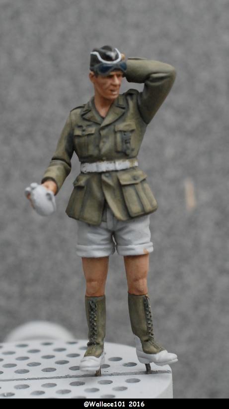 Afrika Korps AFV Commander (Verlinden Tamiya Bronco ... 1/35) Fini! - Page 3 Vareus10