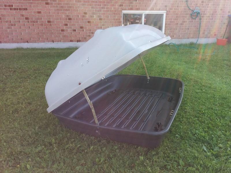 Boîte de toit SportRack **vendue** 14393310