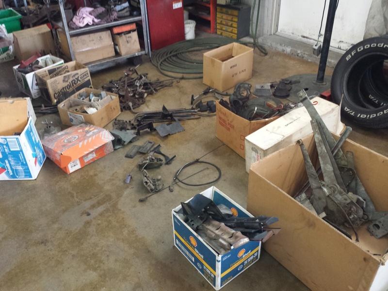 grande vente de garage pieces  Dodge,Mopar,plymouth ,cuda ,challenger, 20161028