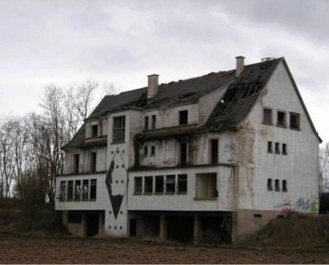 Lieux hantés, insolites et mystérieux Maison10