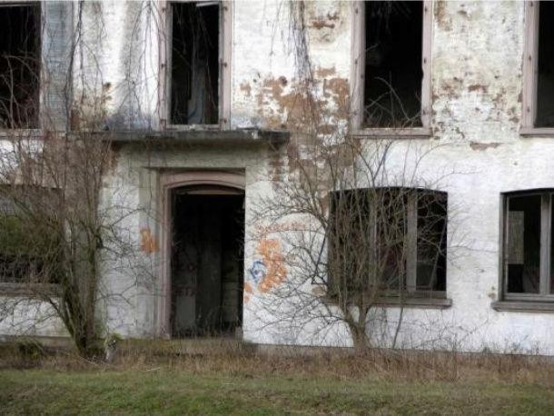 Lieux hantés, insolites et mystérieux Maison12