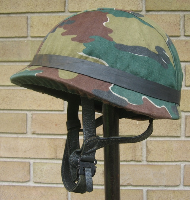 Jump Helmet with Old School Camouflage Cover Airbor10