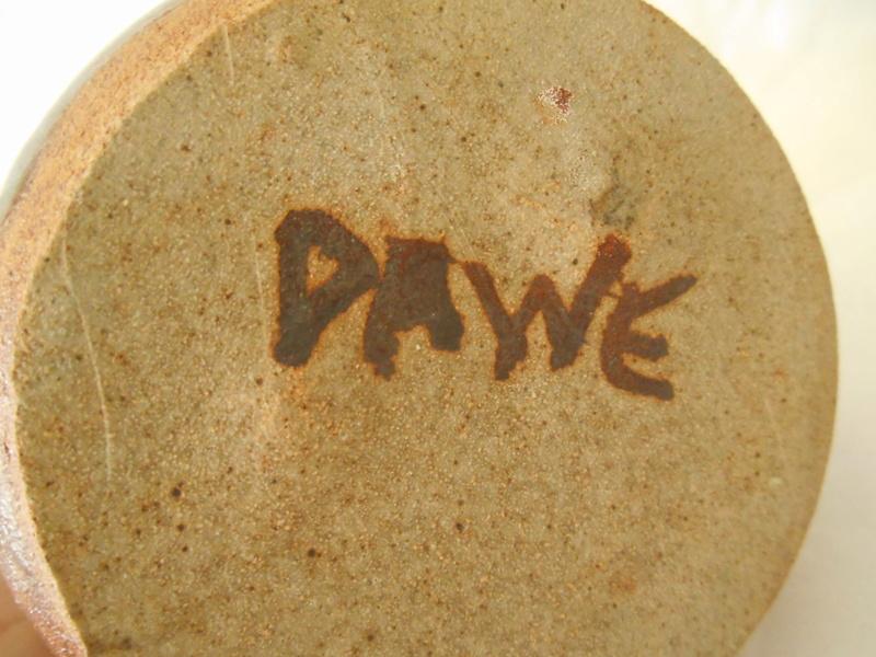 Studio Pottery Pot signed DAWE - The Bob Dawe? Help identify maker please Dscn0011