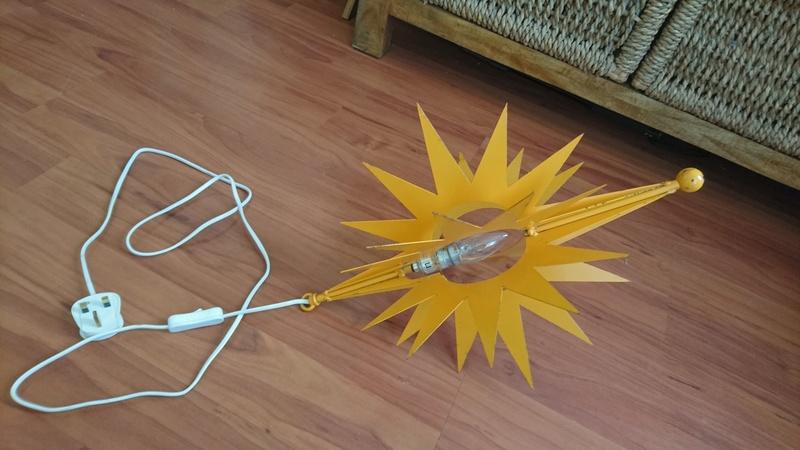 Yellow Metal Star Shaped Lamp - Ikea?? Trash or Treasure? Dsc_1312