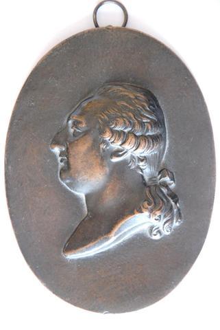 A vendre: Louis XVI et Marie Antoinette - Page 4 13313910