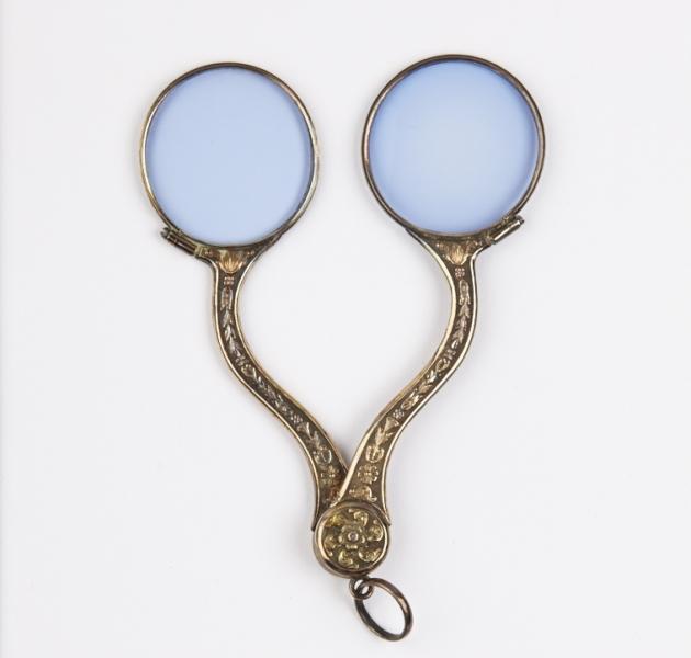 Les « binocles », des accessoires politiques lors de la Révolution française D_200213