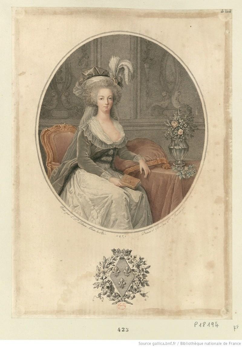 Marie-Antoinette au livre en robe bleue - Page 2 Marie_10