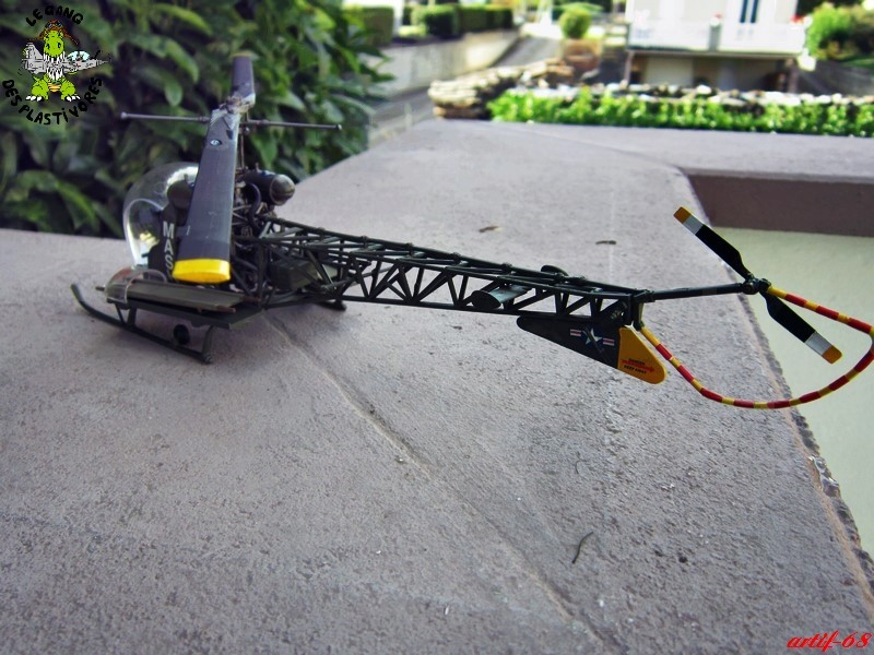 Bell H-13H  du film M.A.S.H au 35° de REVELL (les photos) Img_5033