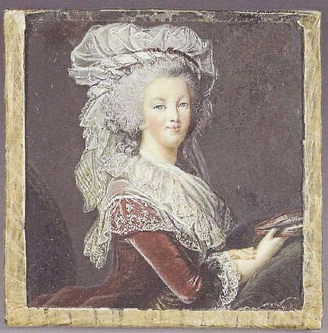 Portrait de la Reine au livre en robe rouge Zgeich10