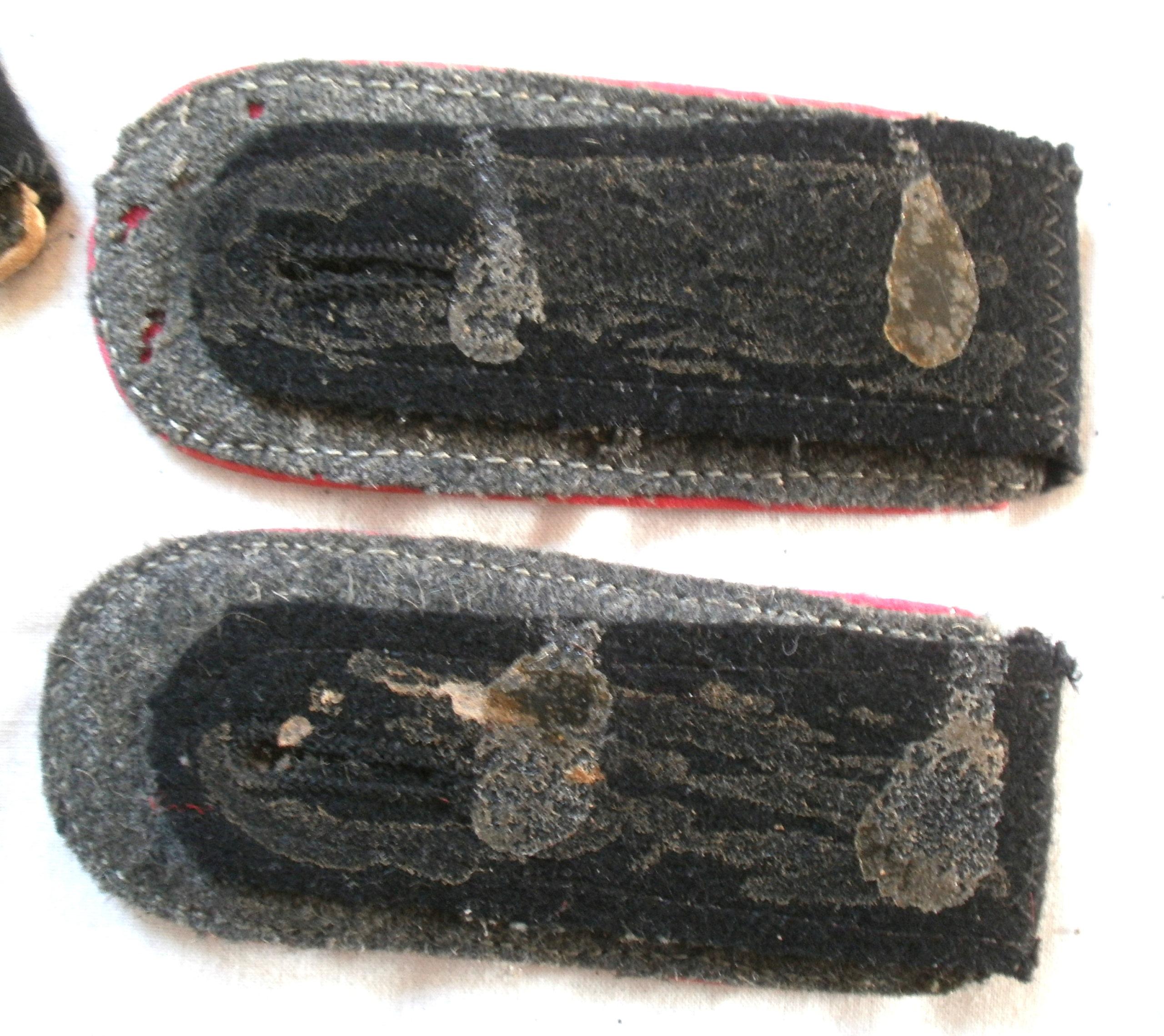 Authentification pattes d'épaules SS (et de leur couleur ...) P4222711