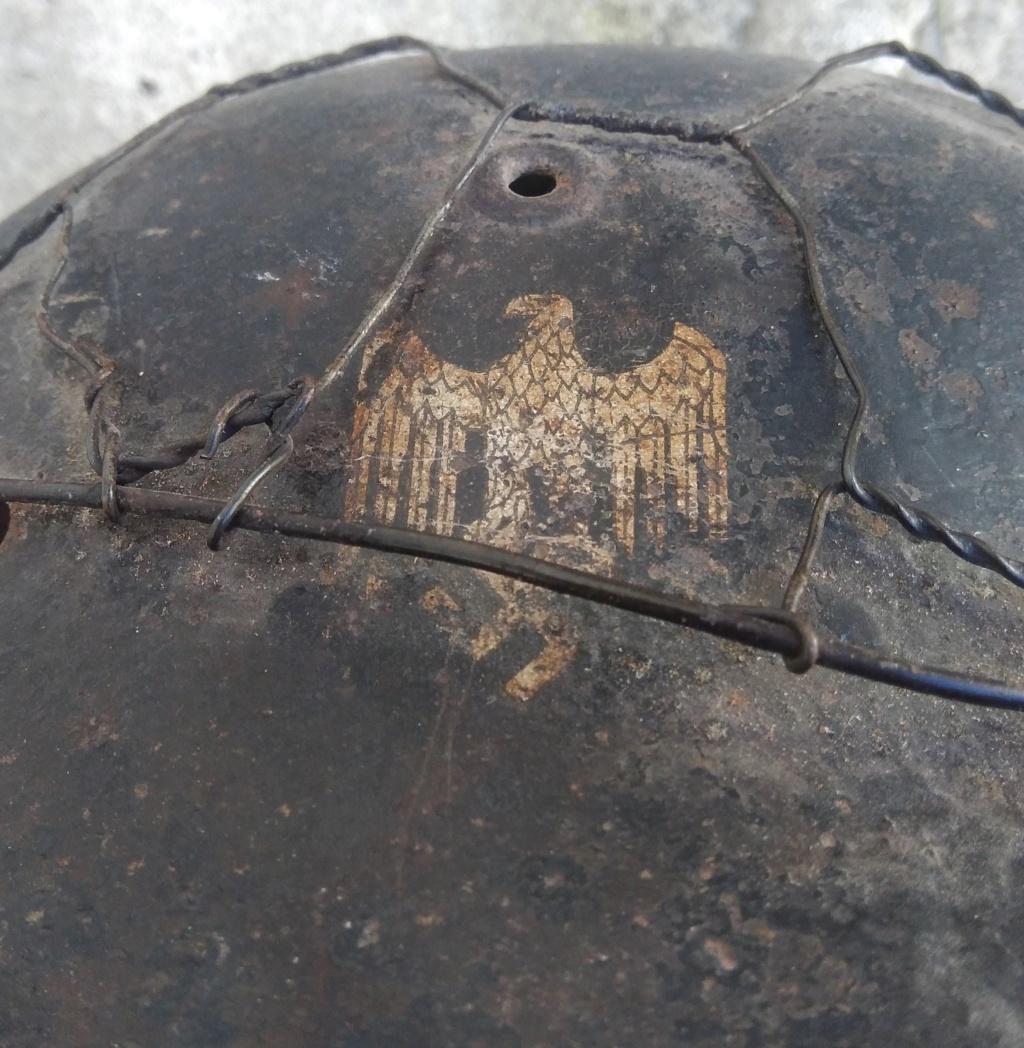 Casque modèle 1942, Heer, un insigne, grillagé (!) P_202024