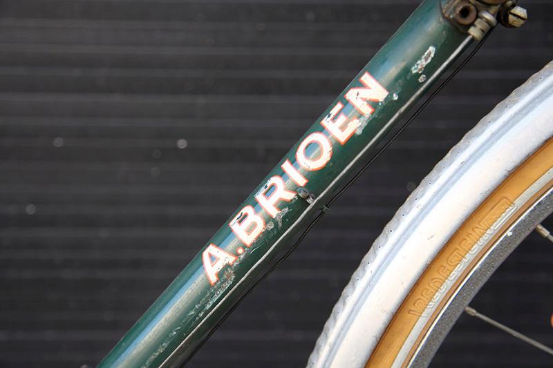 Cycles A-B-Bruxelles (A. Brioen). Y a t il des belges dans la salle ? Img_5423
