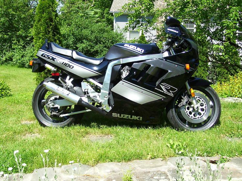 Venez parler de votre moto ! - Page 2 110011