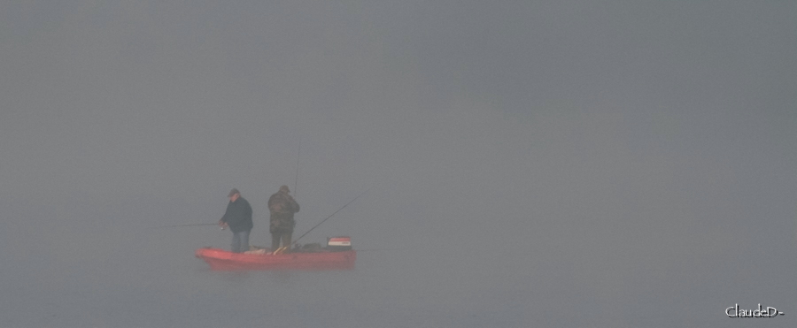 Pêcheurs dans la brume... Pechbr10