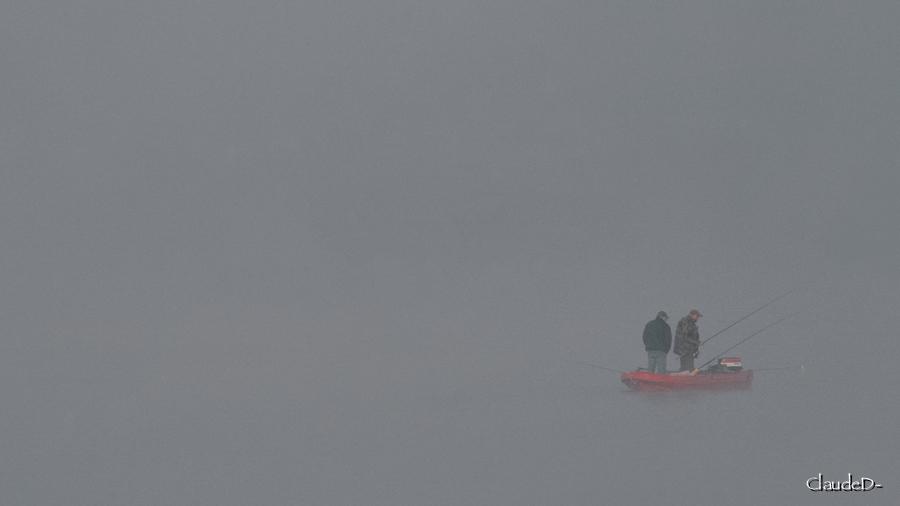 Pêcheurs dans la brume... Pechbr11