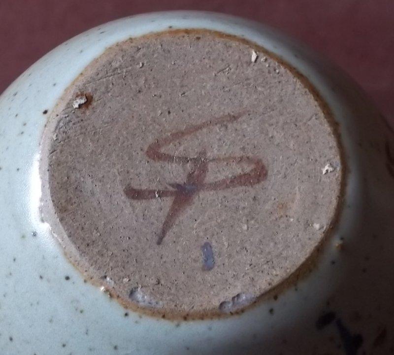 Stoneware salt pig 100_3254