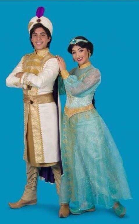 Nouvelles robes pour les princesses? - Page 16 Aladdi10