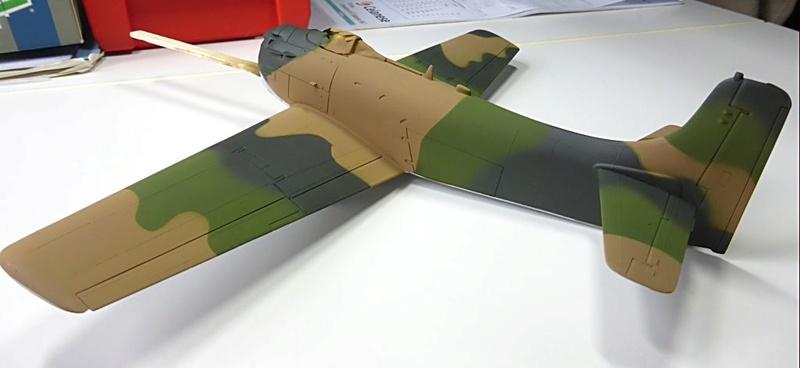[TAMIYA] Douglas A1 Skyraider: rénovation d'un souvenir - Page 3 Skyr4010