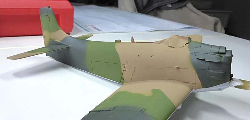 [TAMIYA] Douglas A1 Skyraider: rénovation d'un souvenir - Page 3 Skyr4110
