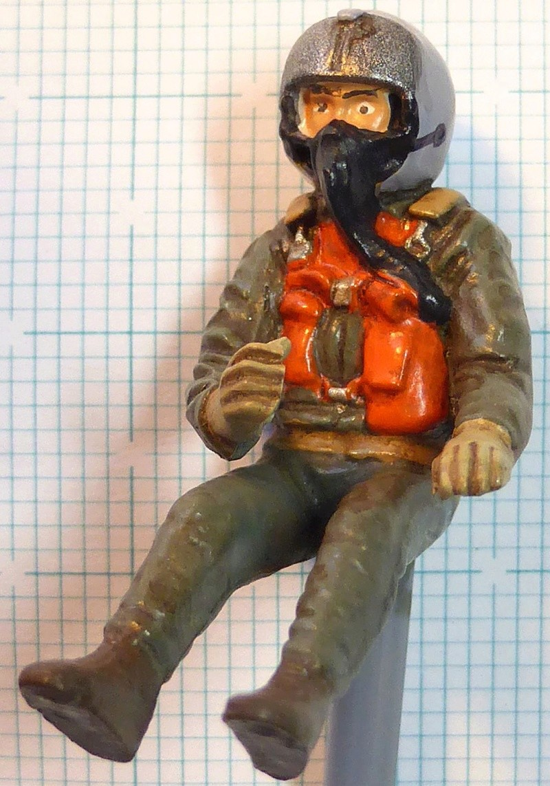 [TAMIYA] Douglas A1 Skyraider: rénovation d'un souvenir - Page 3 Skyr4710