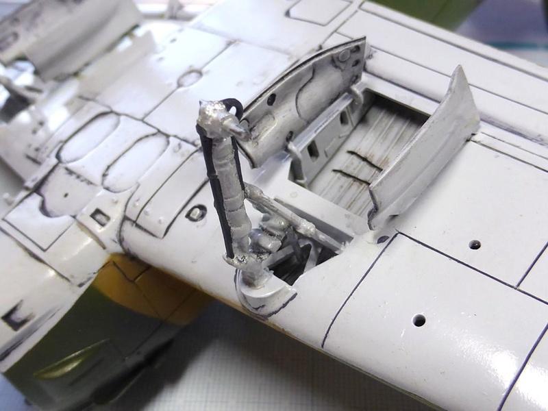 [TAMIYA] Douglas A1 Skyraider: rénovation d'un souvenir - Page 3 Skyr5310