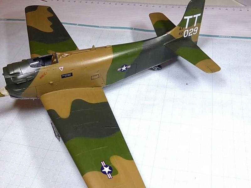 [TAMIYA] Douglas A1 Skyraider: rénovation d'un souvenir - Page 3 Skyr5410