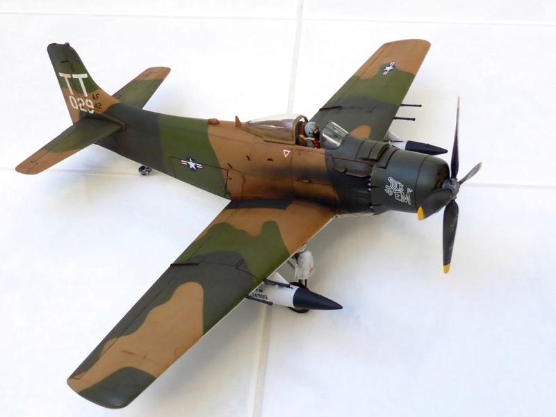 [TAMIYA] Douglas A1 Skyraider: rénovation d'un souvenir - Page 4 Skyr6710