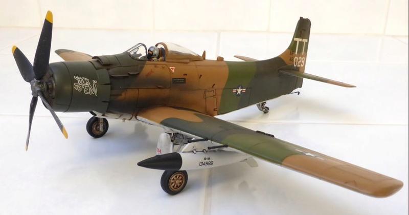 [TAMIYA] Douglas A1 Skyraider: rénovation d'un souvenir - Page 4 Skyr7010