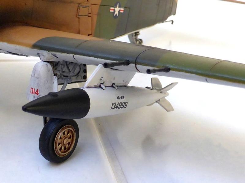 [TAMIYA] Douglas A1 Skyraider: rénovation d'un souvenir - Page 4 Skyr7110