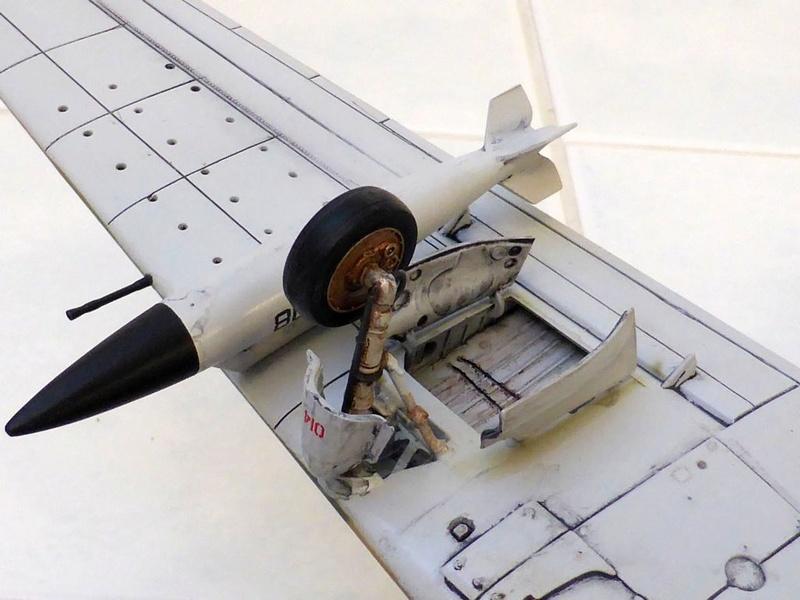 [TAMIYA] Douglas A1 Skyraider: rénovation d'un souvenir - Page 4 Skyr7310