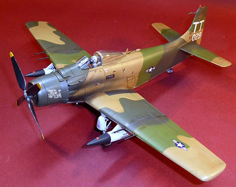[TAMIYA] Douglas A1 Skyraider: rénovation d'un souvenir - Page 4 Skyr7610