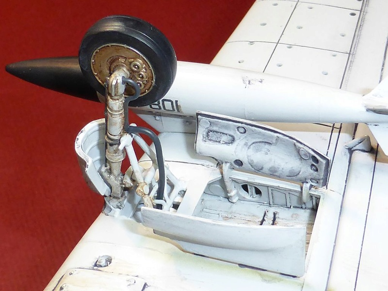 [TAMIYA] Douglas A1 Skyraider: rénovation d'un souvenir - Page 4 Skyr7910